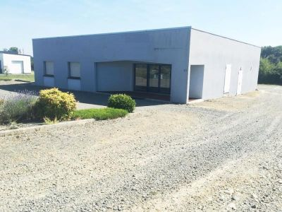 LOCAL PROFESSIONNEL FOUGERES - 241 m2
