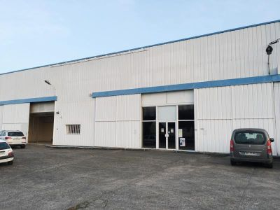 LOCAL COMMERCIAL FOUGERES - 631.5 m2