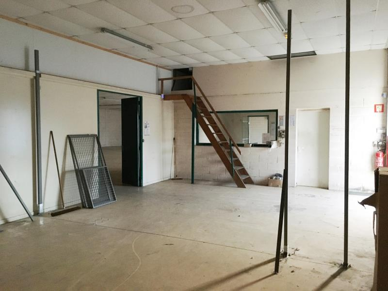 LOCAL COMMERCIAL FOUGERES - 631.5 m2 3/6
