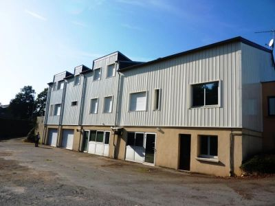 LOCAL COMMERCIAL FOUGERES - 777 m2