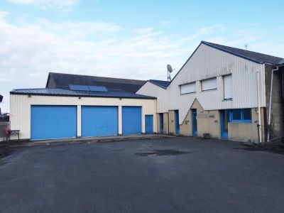 LOCAL COMMERCIAL FOUGERES - 1000 m2