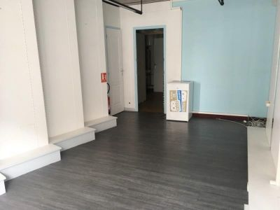 LOCAL COMMERCIAL FOUGERES - 26 m2