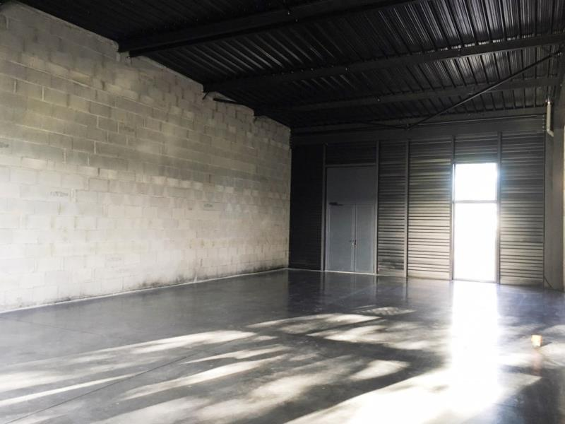 LOCAL COMMERCIAL FOUGERES - 135 m2 2/4