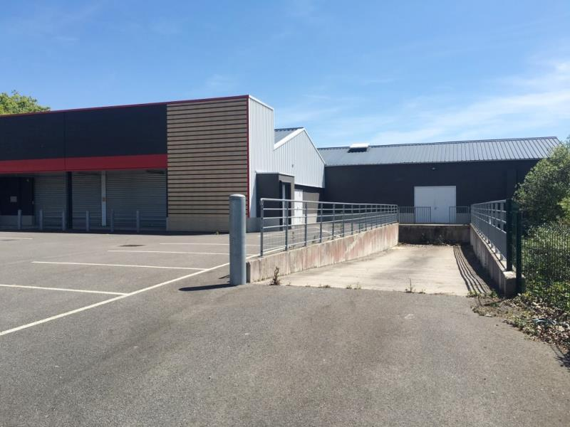 LOCAL COMMERCIAL FOUGERES - 1200 m2 6/6