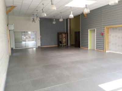 COMMERCE FOUGERES - 150 m2