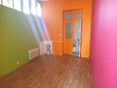 Local commercial Fougeres 30 m2