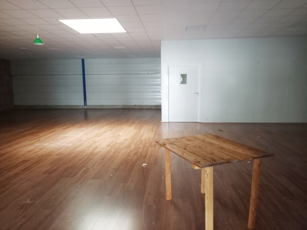 Local commercial Romagne 600 m2 6/7