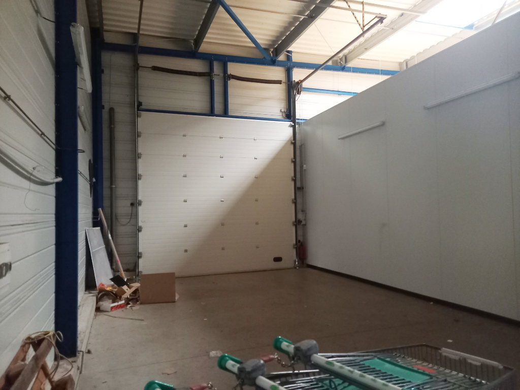 Local commercial Romagne 600 m2 7/7